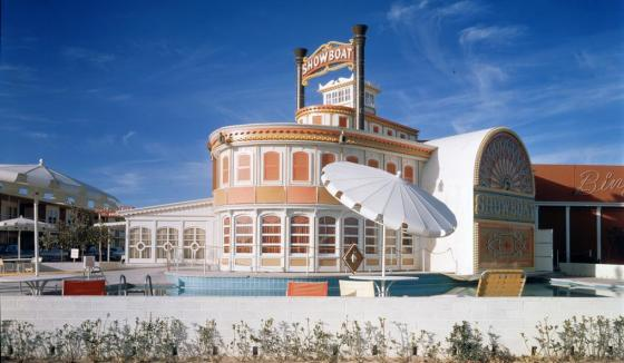Showboat Hotel and Casino and swimming pool, Las Vegas