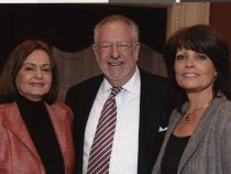 Oscar Goodman with two women at a Jewish Federation event, 2000-2001