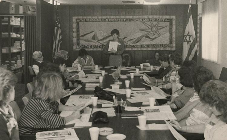 Woman presenting in a meeting, 1987-1989. MS-00602, Jewish Federation of Las Vegas Records.