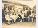 The Sarno family, 1940s. Jay Sarno is standing second from right.